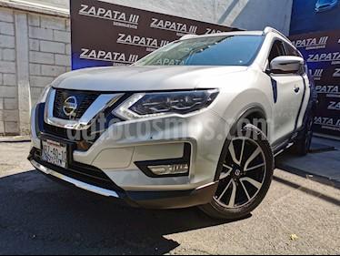 Nissan X-Trail Exclusive usado (2018) color Plata precio $385,000