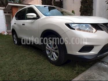 Nissan X-Trail Sense usado (2017) color Blanco precio $240,000