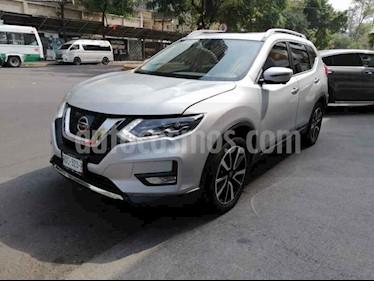 Nissan X-Trail 5p Exclusive 3 L4/2.5 Aut Banca abatible usado (2018) color Plata precio $375,000