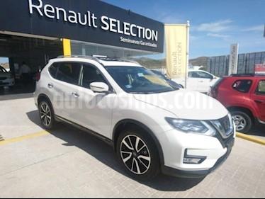 Foto Nissan X-Trail 5p Exclusive 3 L4/2.5 Aut Banca abatible usado (2018) color Blanco precio $385,000