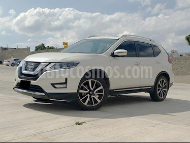 Foto Nissan X-Trail Exclusive 3 Row usado (2018) color Blanco Perla precio $405,000