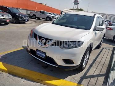 Nissan X-Trail Sense usado (2017) color Blanco precio $250,000