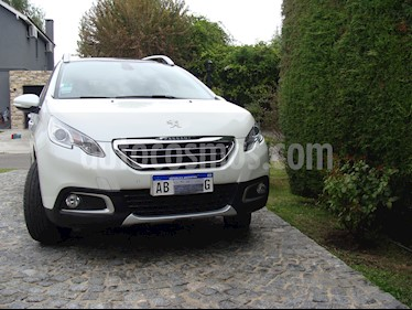 foto Peugeot 2008 Feline usado (2017) color Blanco precio $600.000