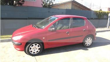 Peugeot 206 CC 1.6L  usado (2005) color Rojo precio $2.100.000