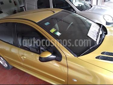 Foto venta Auto usado Peugeot 206 1.6 XT Premium 5P NAV (2008) color Dorado precio $180.000