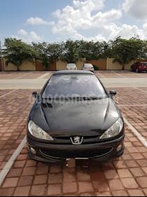 Foto venta Auto Seminuevo Peugeot 206 5P Feline 1.6 Aut (2007) color Negro precio $67,000