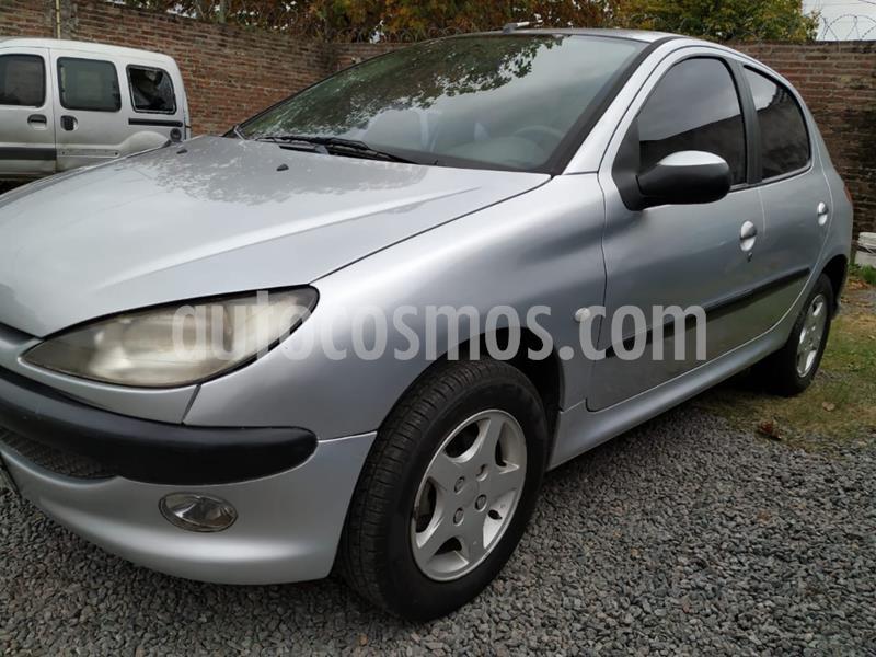 foto Peugeot 206 5P XRD usado (2004) color Gris Claro precio $375.000
