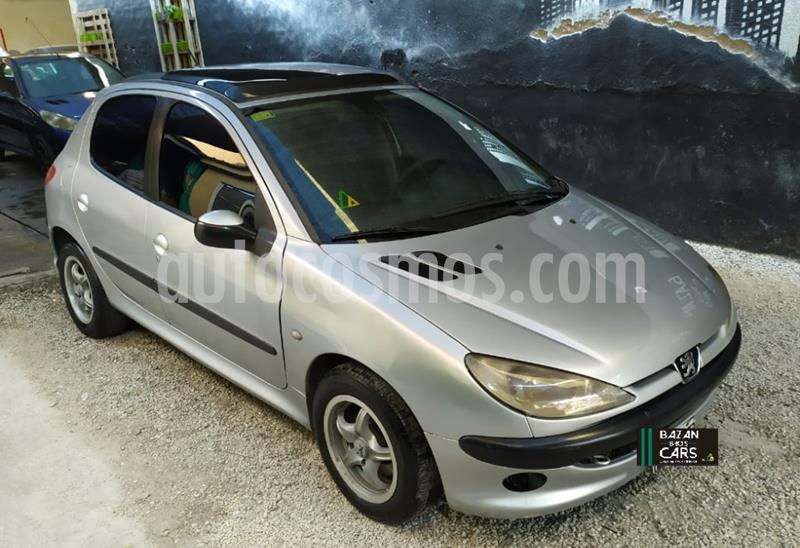 Peugeot 206 1.6 XT 5P usado (2005) color Gris Claro precio $305.000