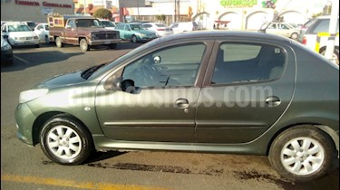 foto Peugeot 207 Compact Sedan Trendy usado (2009) color Verde precio $53,000