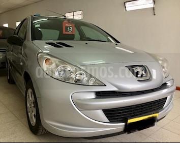 Foto venta Auto Usado Peugeot 207 Compact 1.4 Active 4P (2013) color Gris Claro precio $183.000