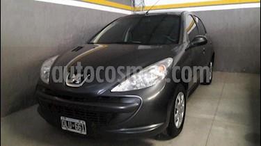Peugeot 207 Compact 1.4 Active 4P usado (2015) color Gris Oscuro precio $320.000