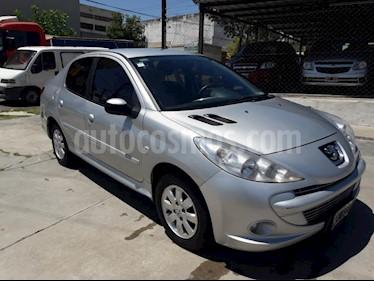 Foto venta Auto Usado Peugeot 207 Compact 1.4 Active 4P (2013) color Gris Claro precio $210.000