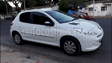 Foto venta Auto usado Peugeot 207 Compact 1.4 Allure 5P (2011) color Blanco Banquise precio $205.000