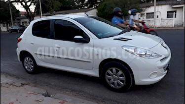 Foto venta Auto usado Peugeot 207 Compact 1.4 Allure 5P (2011) color Blanco Banquise