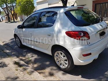 Peugeot 207 Compact 1.4 HDi XT 5P usado (2013) color Blanco Banquise precio $355.000