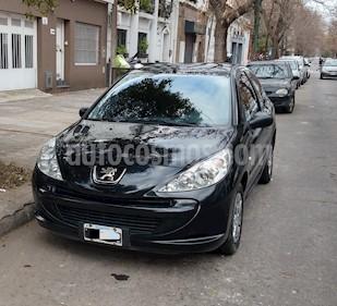 Foto Peugeot 207 Compact 1.4 XR 3P usado (2011) color Negro precio $215.000
