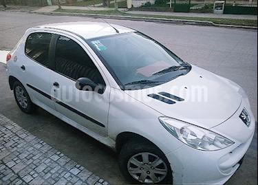 Peugeot 207 Compact 1.4 XR 5P usado (2013) color Blanco precio $260.000