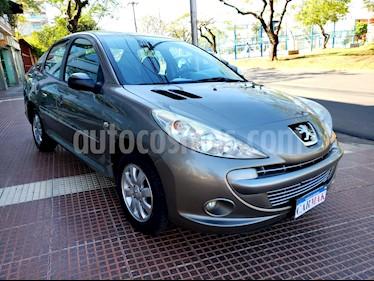 Peugeot 207 Compact 1.4 XS 4P usado (2012) color Gris precio $334.990