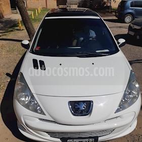 Peugeot 207 Compact 1.6 Feline 5P usado (2013) color Blanco precio $230.000