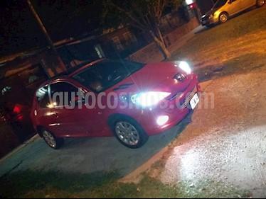 Peugeot 207 Compact 1.6 Griffe 3P usado (2013) color Rojo precio $270.000