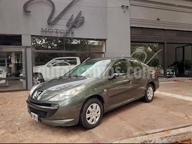 Peugeot 207 Compact 1.4 XR 4P usado (2010) color Gris Oscuro precio $395.000