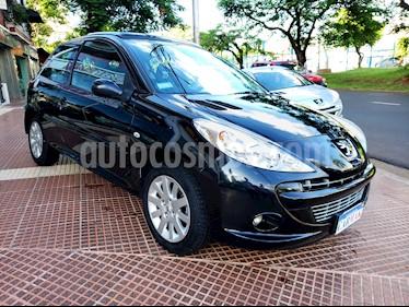 Peugeot 207 Compact 1.6 XT 3P usado (2011) color Negro precio $389.990