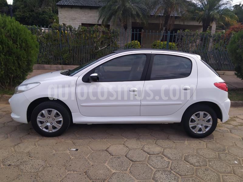 Peugeot 207 Compact 1.4 Allure 5P usado (2014) color Blanco Banquise precio $550.000