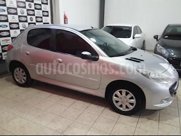 Peugeot 207 Compact 1.4 XS 5P usado (2010) color Gris Claro precio $330.000