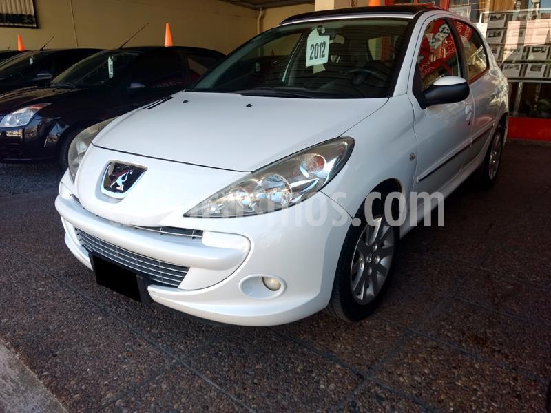 Peugeot 207 Compact 1.6 Feline 5P usado (2012) color Blanco Banquise precio $520.000