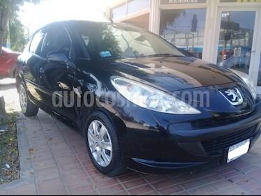 Peugeot 207 Compact 1.4 Active 5P usado (2010) color Negro precio $292.000