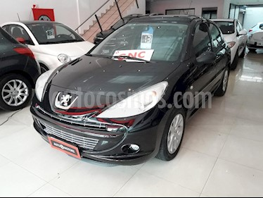 Peugeot 207 Compact 1.6 XT 5P usado (2013) color Negro precio $395.000