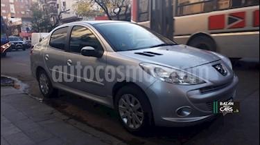 Peugeot 207 Compact 1.4 HDi Active 4P usado (2011) color Gris Claro precio $320.000