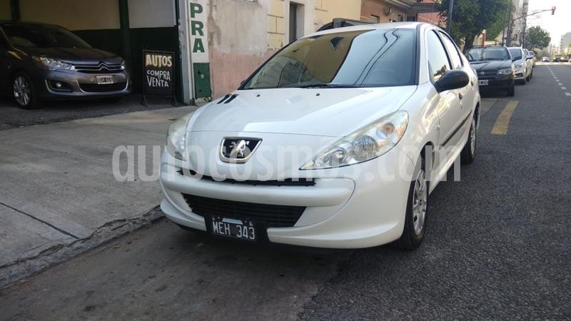 Peugeot 207 Compact 1.4 Active 4P usado (2013) color Blanco Banquise precio $670.000