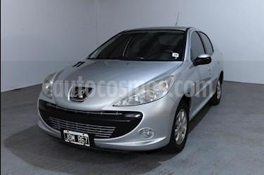 Peugeot 207 Compact 1.4 Active 4P usado (2011) color Gris Claro precio $315.000