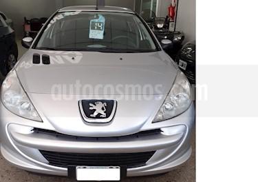 Peugeot 207 Compact 1.4 XR 4P usado (2014) color Gris Claro precio $395.000