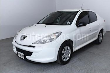 Peugeot 207 Compact 1.4 XR 4P usado (2014) color Blanco precio $370.000
