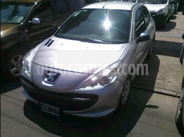 Peugeot 207 Compact 1.4 Active 4P usado (2009) color Gris Claro precio $400.000