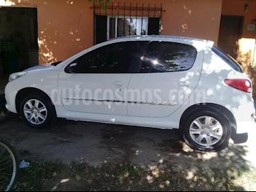Peugeot 207 Compact 1.4 Active 4P usado (2013) color Blanco precio $295.000