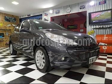 Peugeot 207 Compact 1.6 XS 5P usado (2012) color Gris Grafito precio $380.000