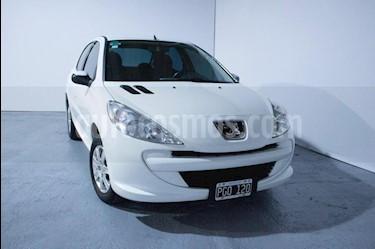 Foto Peugeot 207 Compact 1.4 Active 4P usado (2015) color Blanco precio $345.000