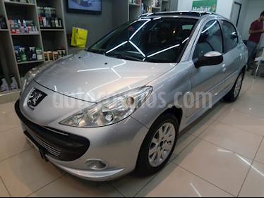 Peugeot 207 Compact 1.6 XT Premium 5P usado (2010) color Gris Aluminium precio $390.000