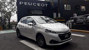 Foto Peugeot 208 1.2L Allure PureTech  usado (2019) color Blanco Banquise precio $246,900