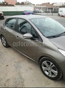 Peugeot 208 1.4L Active HDi 5p usado (2014) color Gris Cendre precio $6.000.000