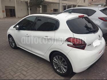 Peugeot 208 1.4L Active HDi 5p usado (2016) color Blanco Banquise precio $8.300.000