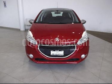 Foto venta Auto Seminuevo Peugeot 208 1.6L Allure 3P (2015) color Rojo precio $175,000
