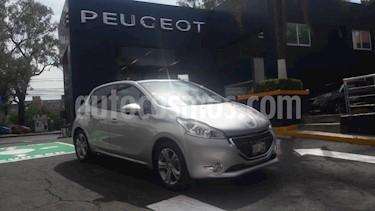 Foto venta Auto usado Peugeot 208 1.6L Allure Aut (2014) color Plata precio $147,900