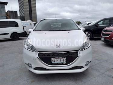 foto Peugeot 208 1.6L Allure usado (2014) color Blanco precio $139,000