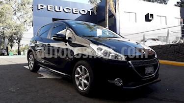 Foto venta Auto Seminuevo Peugeot 208 1.6L Allure (2015) color Negro Perla precio $164,900