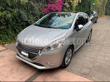 Foto venta Auto usado Peugeot 208 1.6L Feline 3P  (2014) color Gris Aluminium precio $160,000