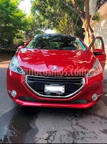 Peugeot 208 1.6L Feline NAV Aut usado (2014) color Rojo Rubi precio $140,000